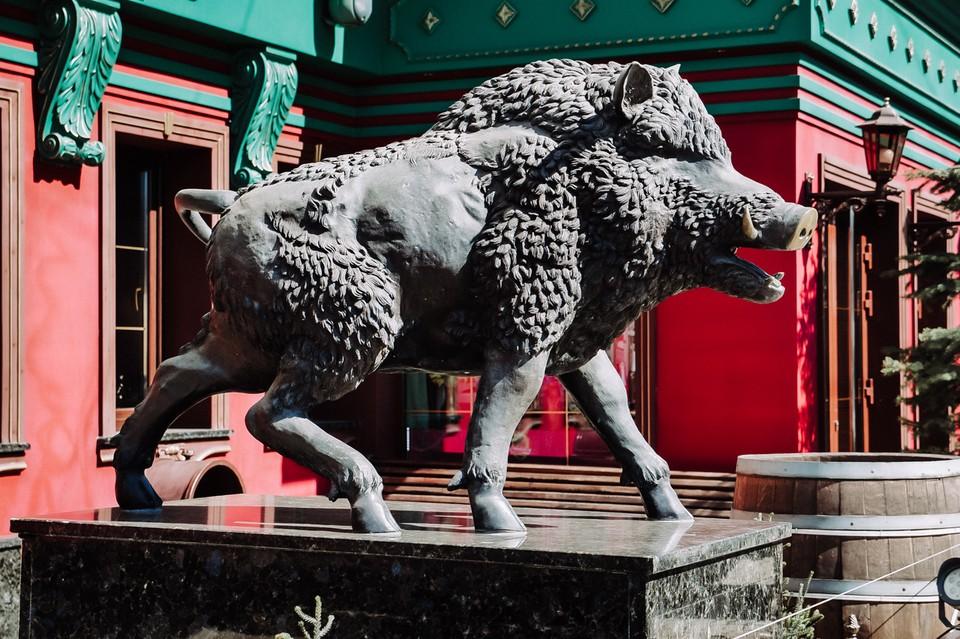В Самаре много памятников, которые способны удивить