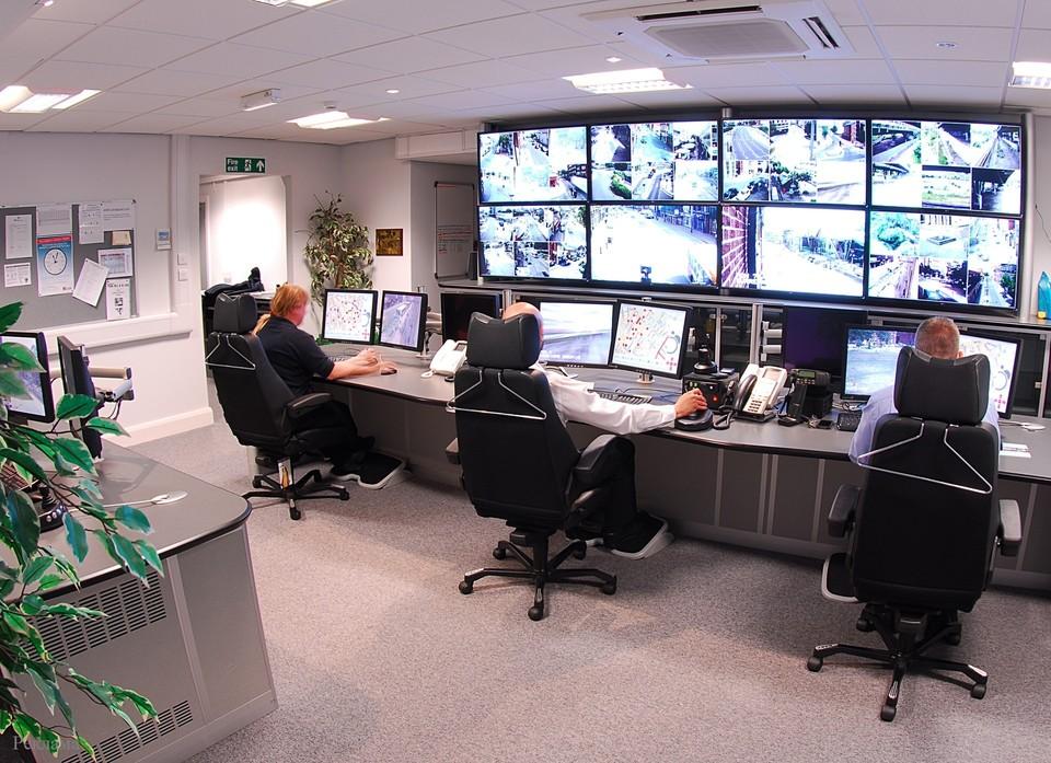 Умные экраны от «Ростелекома» способны персонализировать сообщения для разных групп покупателей.
