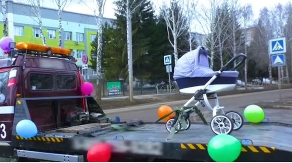 В Кемерове новорожденный покинул роддом на эвакуаторе с коляской. Фото: Скриншот Областная Детская Больница Instagram.