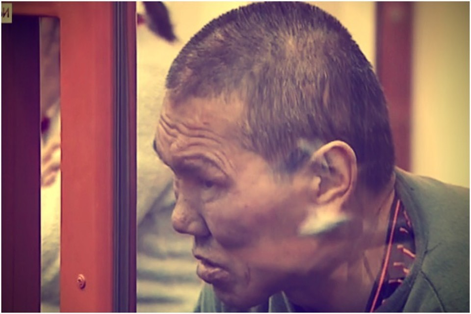 «Ваша честь, убивал не я!», - клялся Александр на суде. Фото: стоп-кадр NotaBene.
