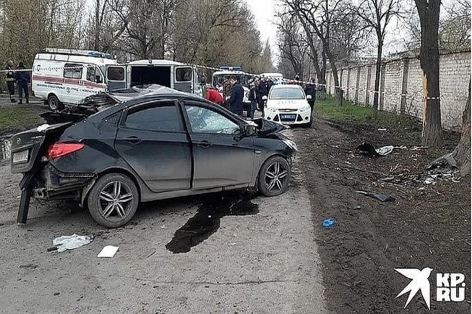 Водитель легковушки потерял управление и врезался в дерево. Фото: ГИБДД по Ростовской области.