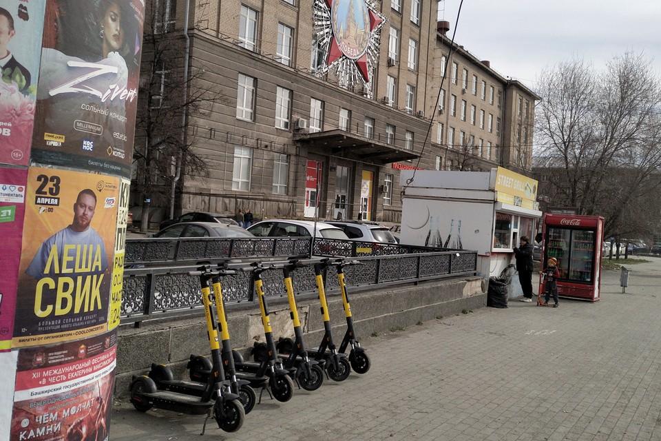 Одна из парковок расположена на Теплотехе. Фото: Руслан Каримов