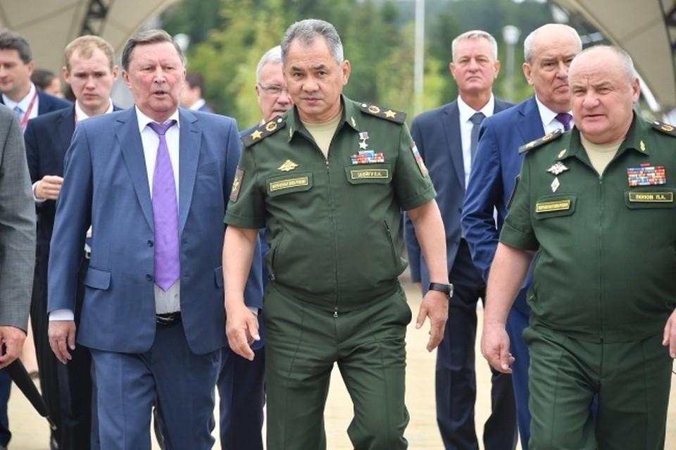 В общей сложности в апреле в Вооруженных силах РФ будет проведено 4 048 учений разного масштаба.