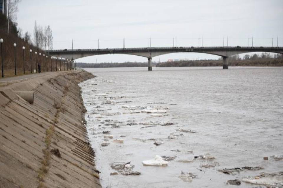 В Кировской области уровень воды на Вятке достиг отметки 326 см. Фото: admkirov.ru