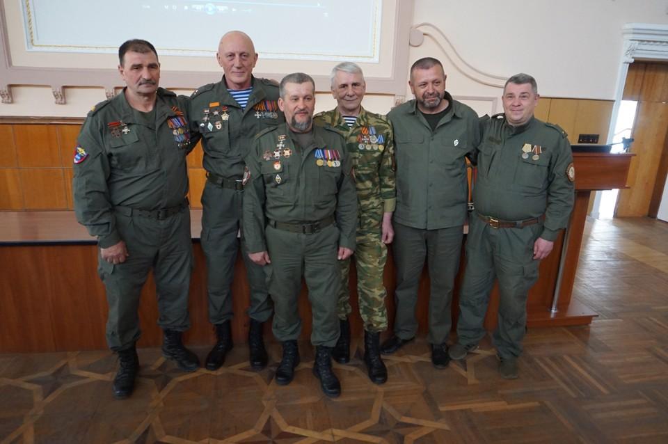 Рядом с нами живые легенды - бойцы, которые вышли на защиту Донбасса в 2014 году