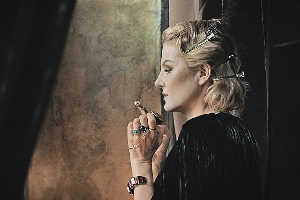 Рената Литвинова в фильме «Северный ветер». Фото: Кадр из фильма