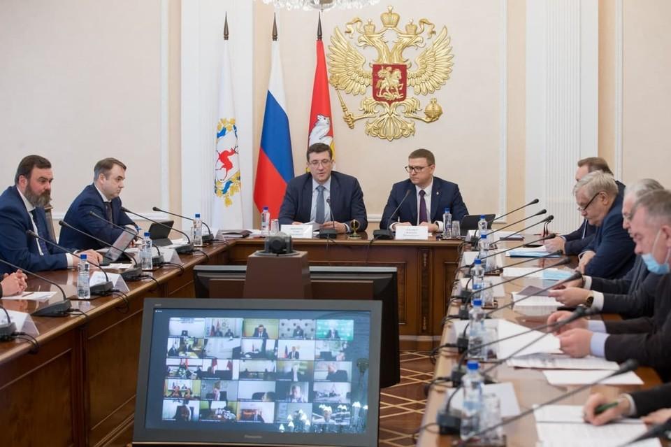 В Челябинске прошло выездное заседание комиссии Госсовета. Фото: gubernator74.ru