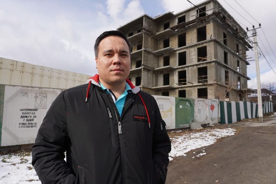 Александр Варламов собирался заехать в новую квартиру практически сразу послt свадьбы. С тех пор прошло 6 лет.