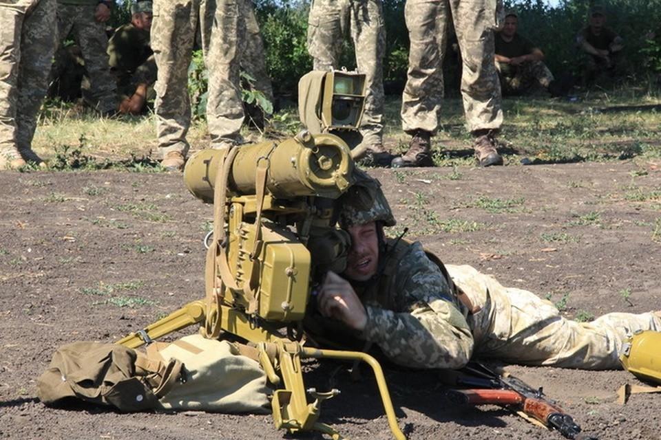 Украинские военные при обстрелах используют ПТУР. Фото: Пресс-центр штаба ООС