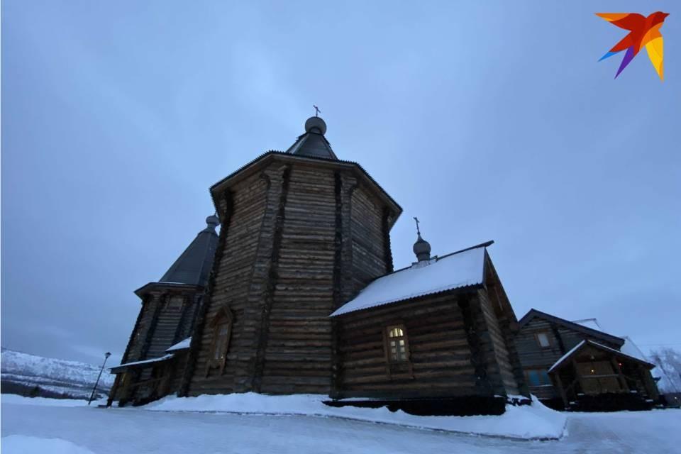 28 апреля, в страстную седмицу, глава епархии возглавит Литургию Преждеосвященных Даров в Свято-Троицкой церкви Феодоритова Кольского мужского монастыря в Мурманске.