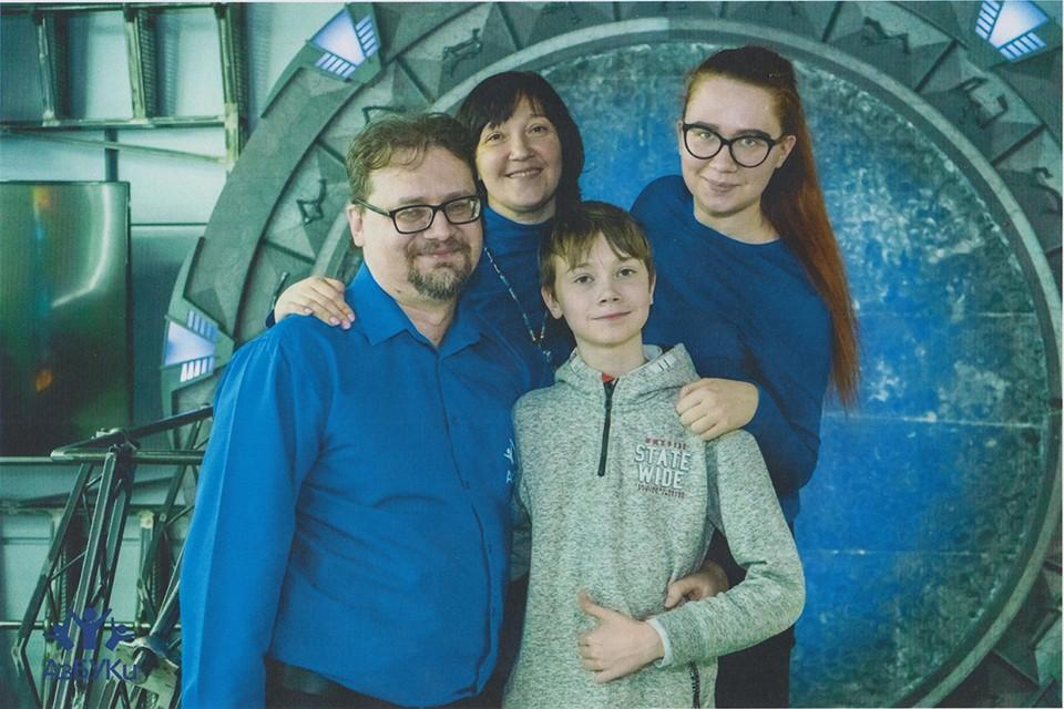 Самое большое счастье - семья: жена Екатерина, дочь Анастасия и сын Владимир. Фото: предоставлено героем публикации