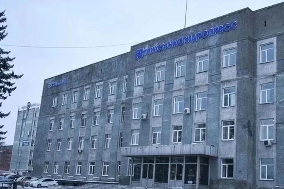 Сергей Семка обсудил с руководством «Тяжстанкогидропресса» меры помощи заводу.