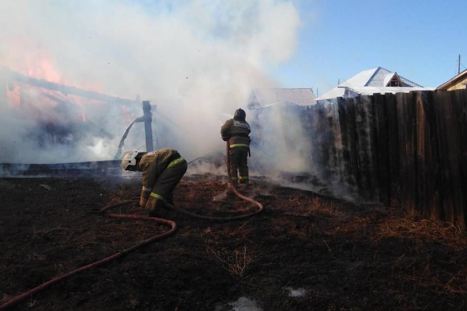 Житель Иркутской области сжигал мусор и едва не спалил свою усадьбу