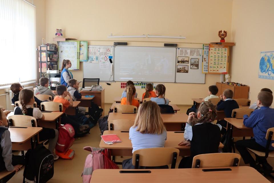 """""""Уроки проходили без присутствия классного руководства - это недопустимо"""", - считают в Минобрнауки Коми"""
