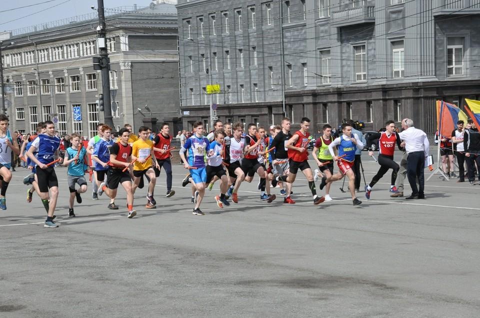На старт легкоатлетической эстафеты-2021 в Челябинске выйдет почти 2000 участников. Фото администрация Челябинска.