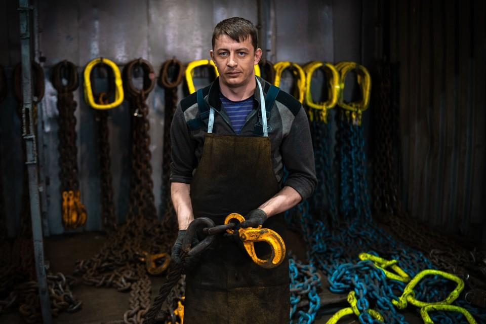 Даниил Феофилактов, слесарь-такелажник ВМТП, рассказал о своей профессии и о своих трудовых буднях. Фото: ВМТП.