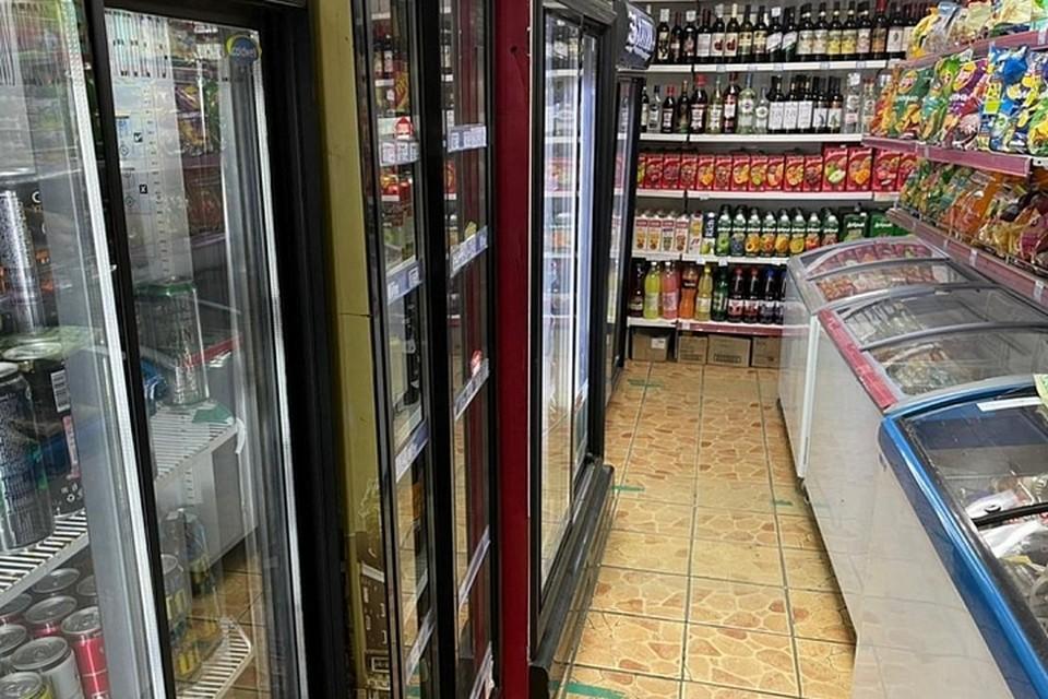 Всего с начала года изъяли более 3,2 тонны незаконного алкоголя. Фото: министерство промышленности и торговли Приморья.