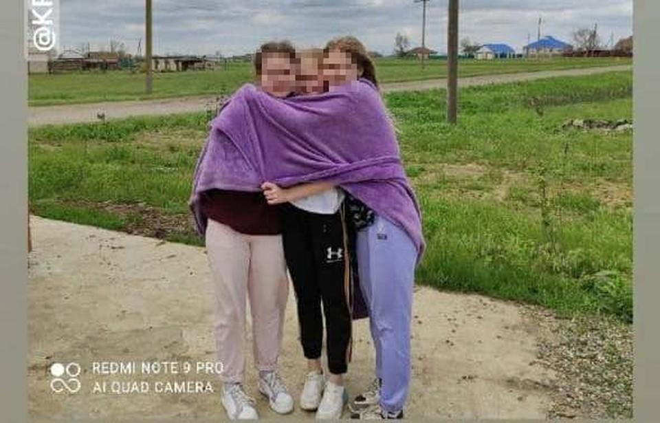 Это последнее фото девочек из баскетбольной команды Волгограда, которое они сделали уже по пути на турнир в Ставрополье.