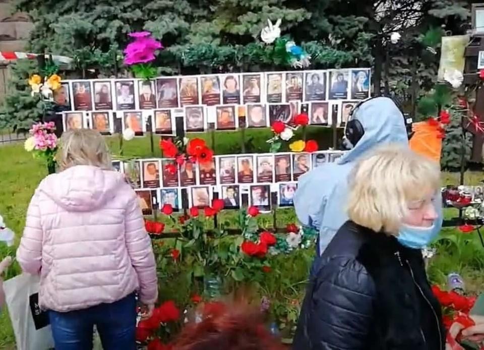 Жители Одессы почтили память погибших в Доме профсоюзов. Фото: кадр из видео