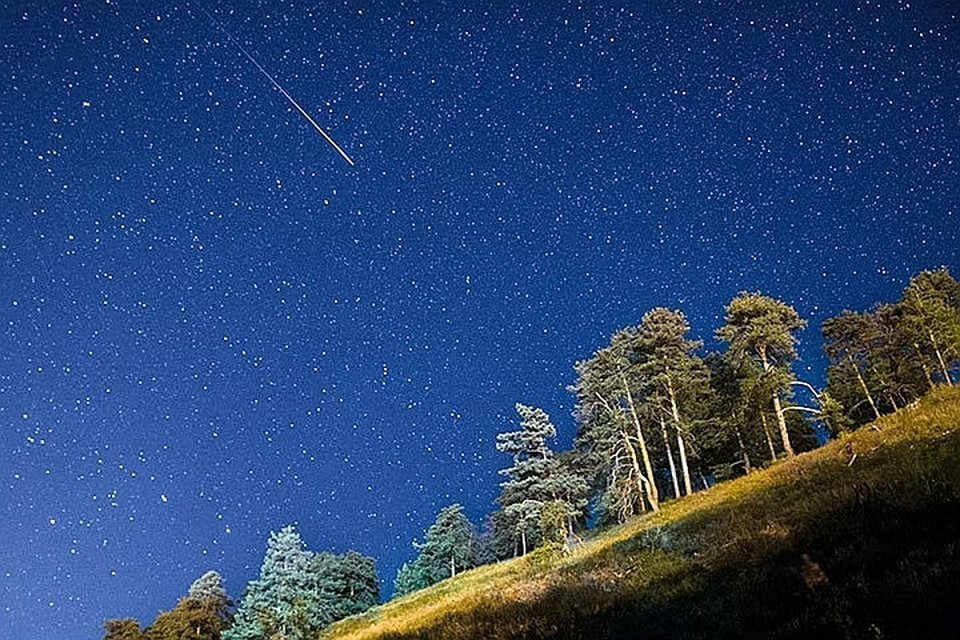 До 70 метеоров в час будут влетать в земную атмосферу утром 5 мая.