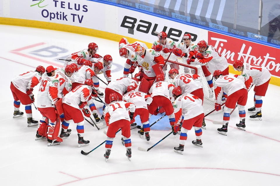 Россияне сыграют с Канадой.