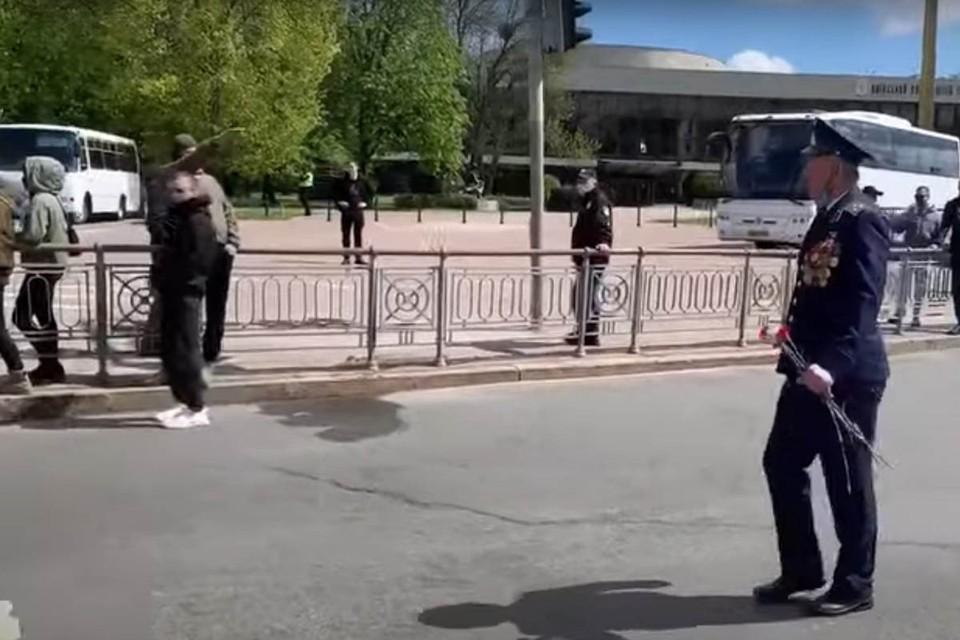 Подросток встретил ветерана Победы в Киеве нацистским приветствием