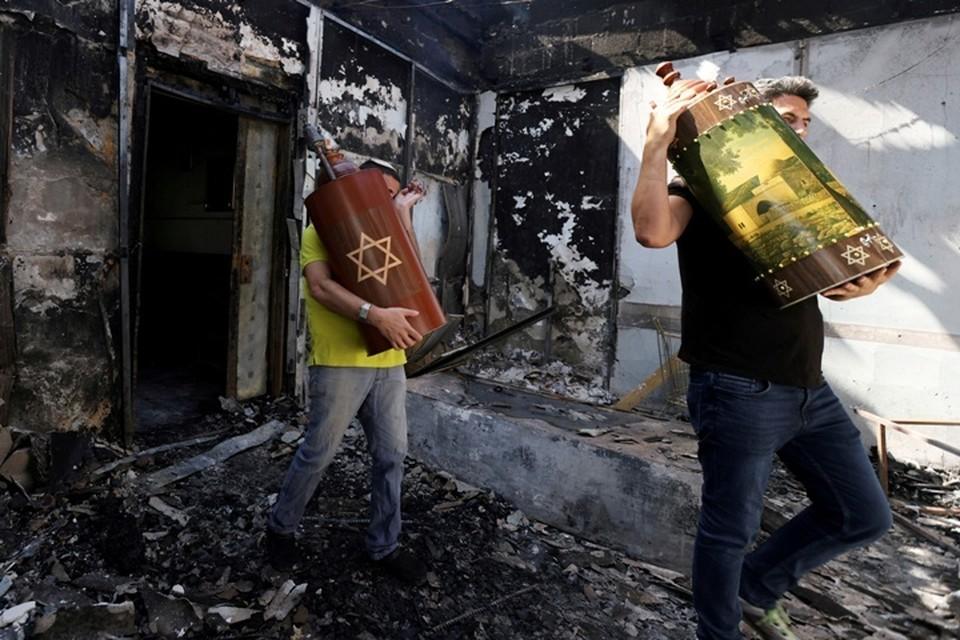 Наиболее ожесточенные столкновения в четверг вечером происходили близ города Иерихон на Западном берегу