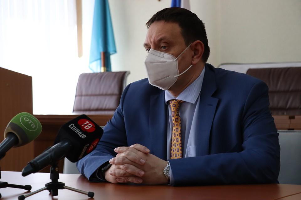 Министр здравоохранения региона Владимир Кузнецов на брифинге 21 мая