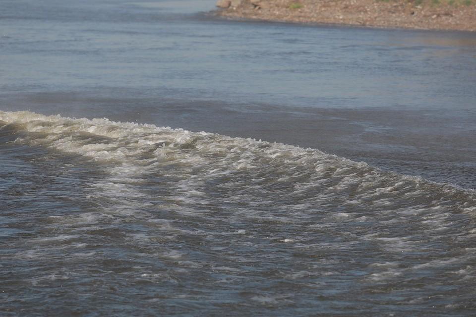 В Якутии на реке Лена затонуло судно-рефрижиратор