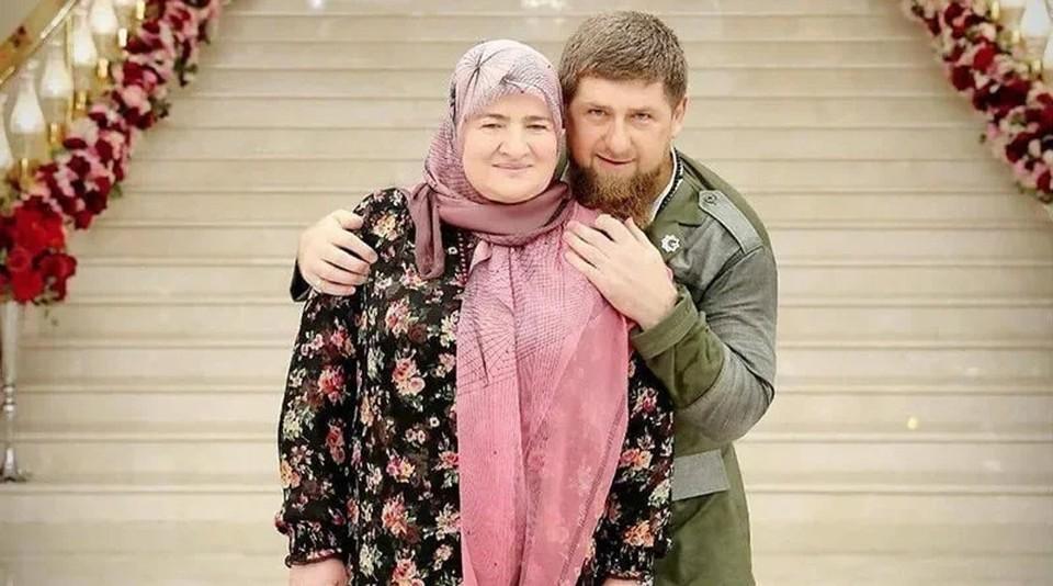Глава Чечни Рамзан Кадыров с матерью - Аймани Несиевной