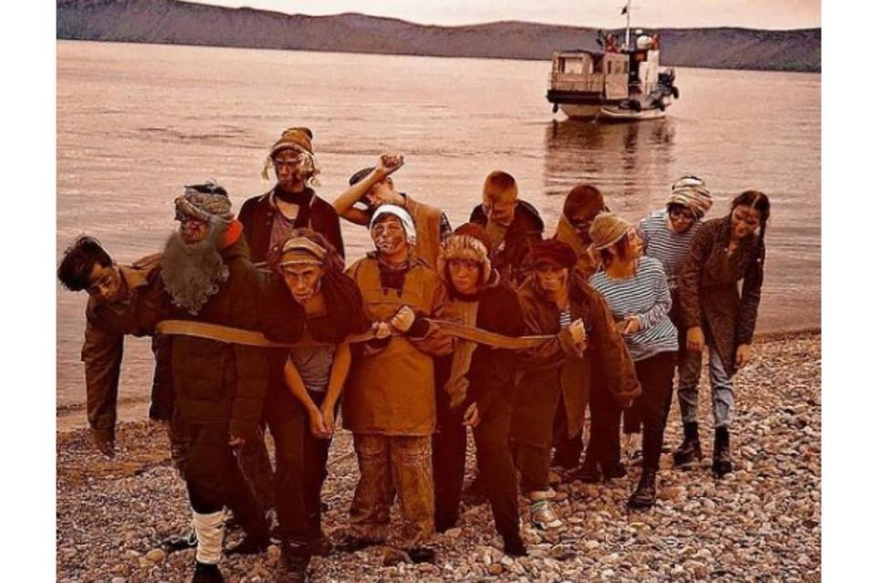 Бурлаки не на Волге, а на Байкале: иркутские школьники переселили героев Репина в Сибирь. Фото:Арина Беляева