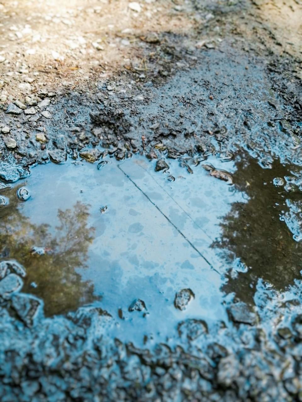 В Курортном районе ликвидировали пролив нефтепродуктов . Фото: пресс-служба СПб ГУП «Экострой»