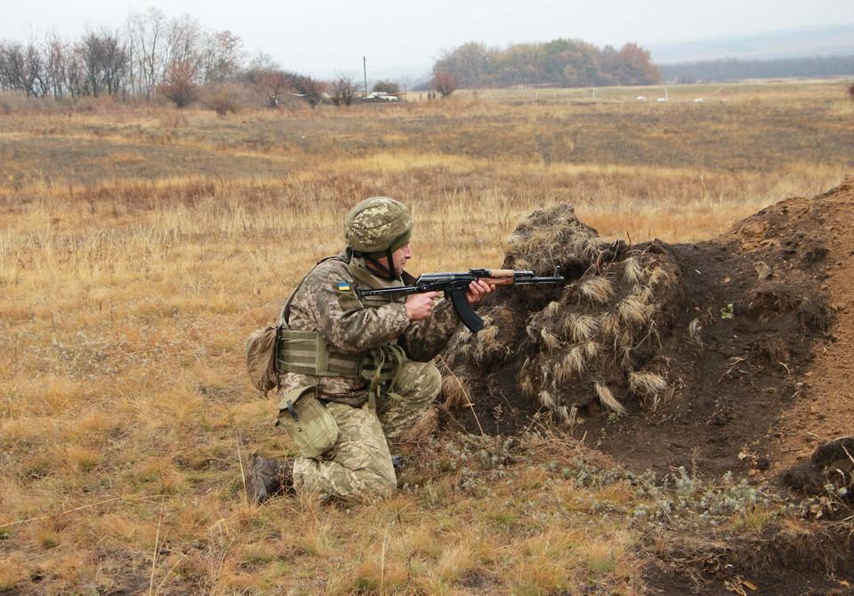 Солдаты ВСУ обнаружены в районе Золотого, а в районе Петровского - зафиксирована стрельба. Фото: Штаб ООС