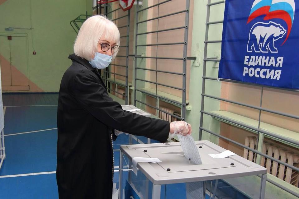 Уполномоченный Губернатора по работе с муниципальными органами власти Надежда Школкина приняла участие в предварительном голосовании.