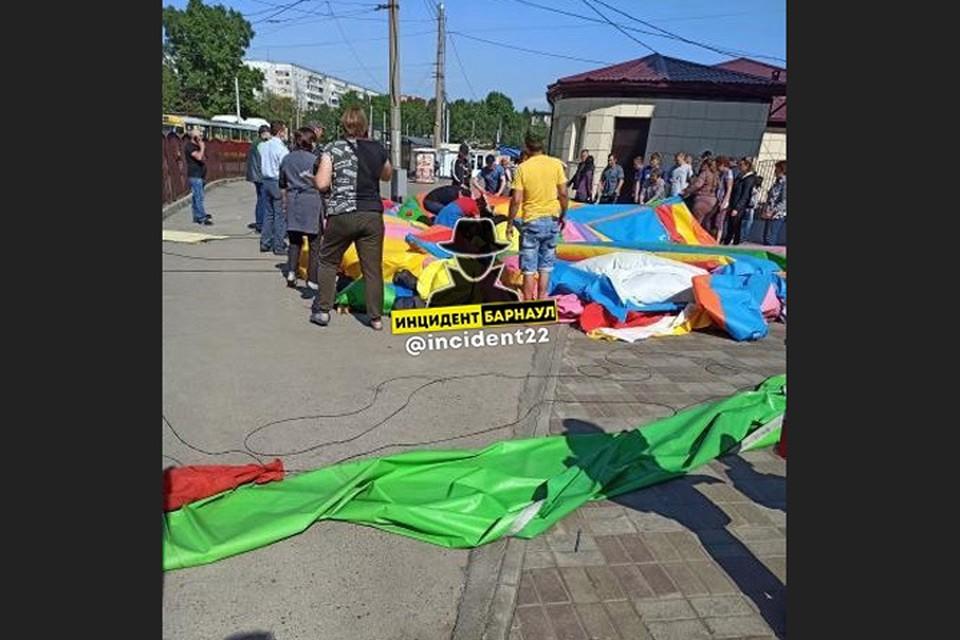 """Фото: скриншот фото со страницы """"Инцидент Барнаул"""" во """"Вконтакте"""""""
