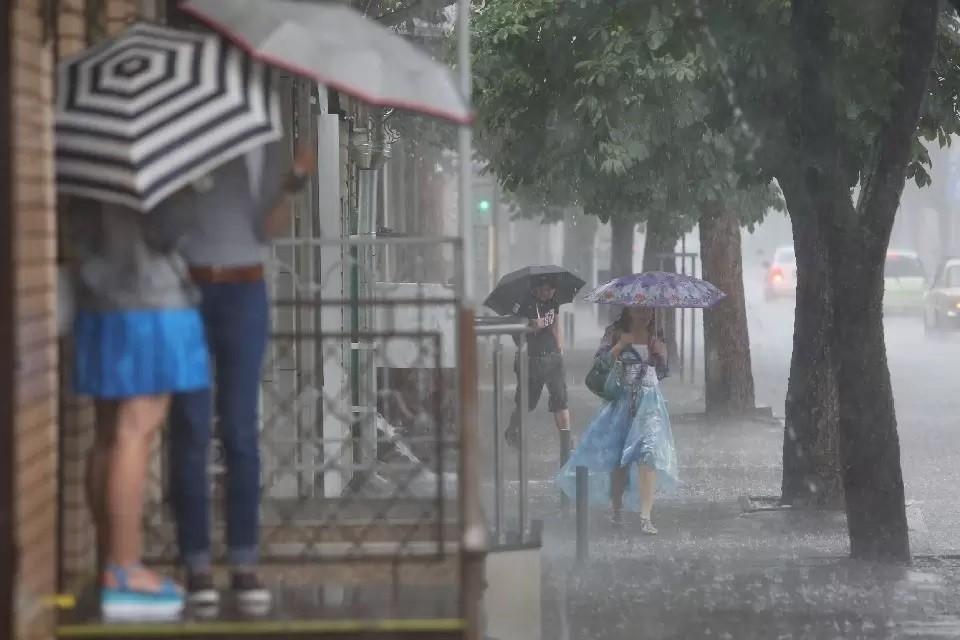 Это был самый сильный ливень в городе с начала года.