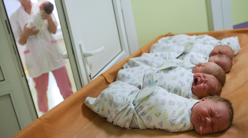 Пандемия коронавируса не заставила молодых граждан Молдовы отказываться от рождения детей. Фото: соцсети