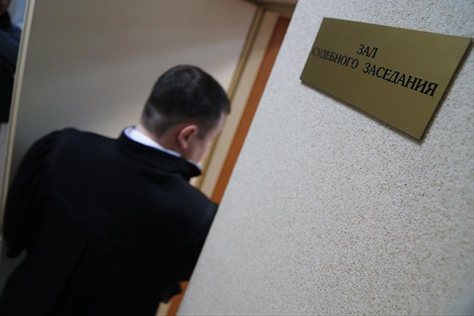 Обвиняемую в афере на 6 млн рублей адвоката Тамару Мельникову из Брянска оставили в СИЗО до начала июля.