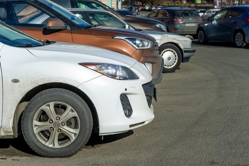 Петербуржцы бросились скупать новые машины.