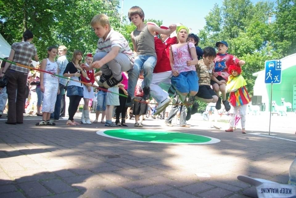Родители могут вернуть до 20 тысяч рублей за путевку в лагерь.