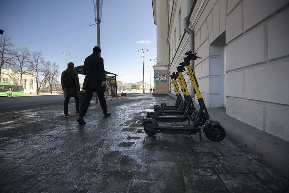 День защиты детей с травмами: две 12-летние девочки столкнулись во время катания на велосипеде и электроскутере в Хабаровске