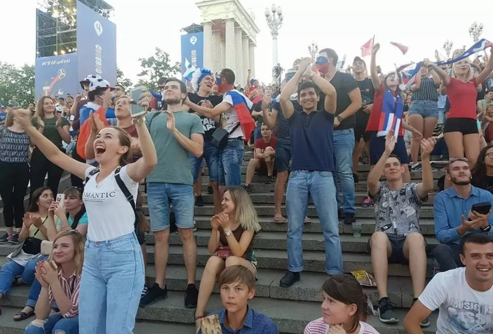 Во время ЧМ-2018 на волгоградской фан-зоне было многолюдно, а для ЕВРО в городе ее не организовали