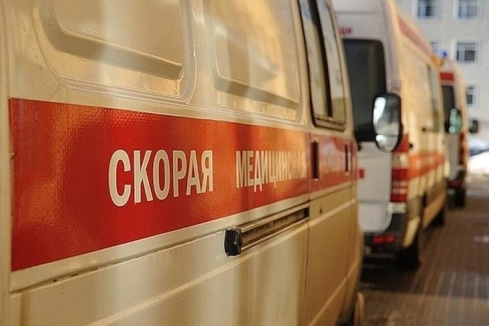 В Твери сбили 14-летнюю девочку, которая переходила дорогу на запрещающий сигнал светофора.