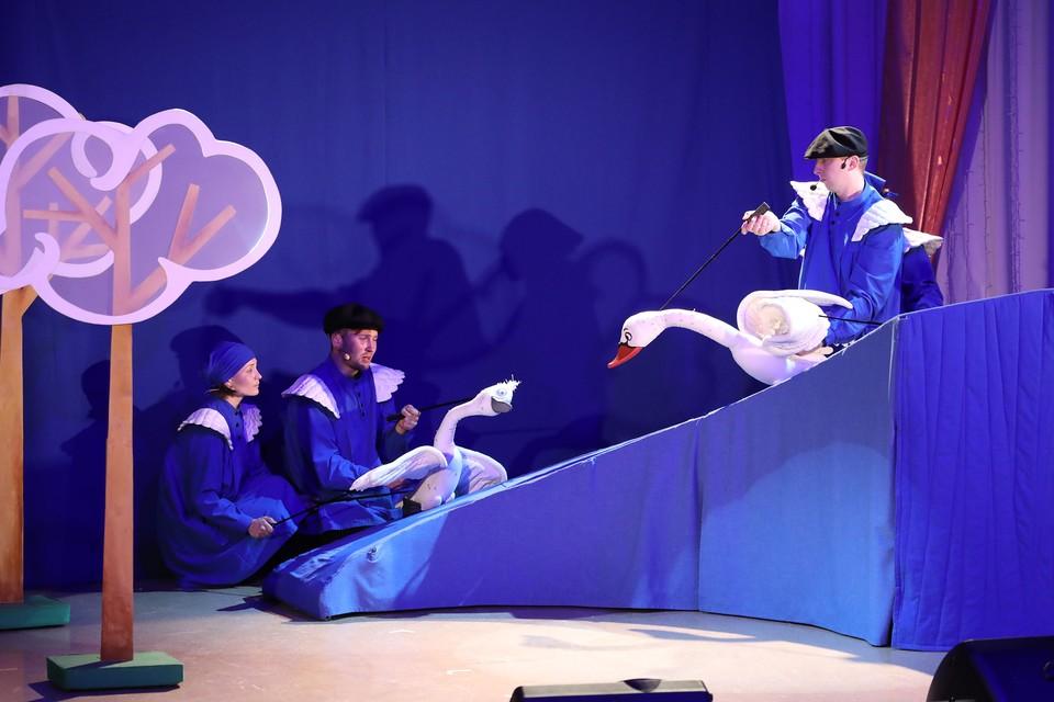 Алтай-Кокс организовал спектакль для детей сотрудников