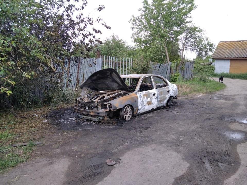 В Саратовской области сгорела машина