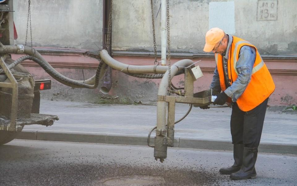 За неделю ямочный ремонт провели на 22 улицах в Смоленске. Фото: администрация г. Смоленска.