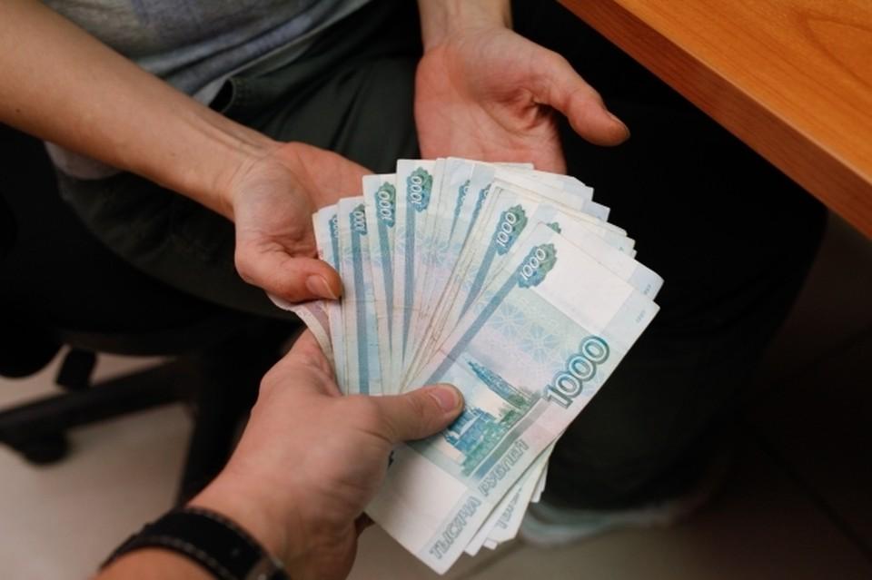 Силовика задержали в момент получения денег