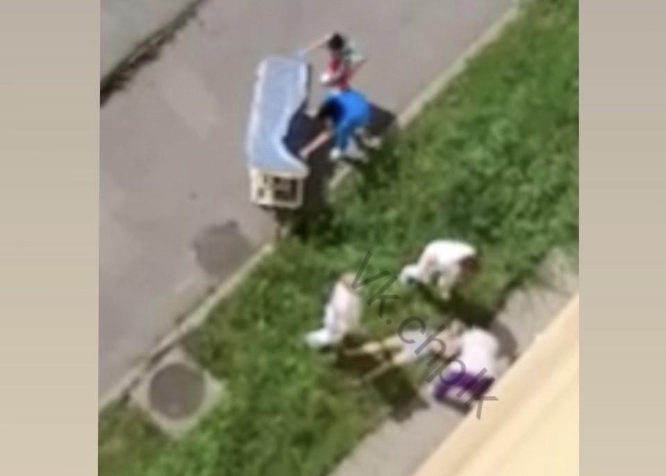 В Кузбассе выпала из окна больницы многодетная мать. Фото: ВКонтакте/chplk.