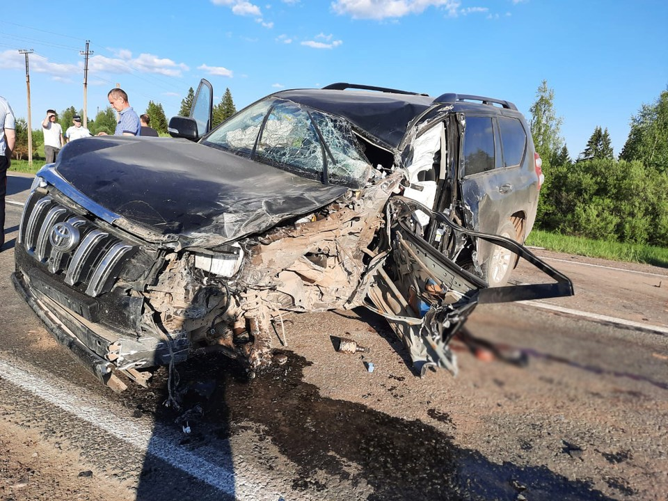 Водитель легкового авто погиб на месте Фото: 1 отдел УГИБДД по Удмуртии