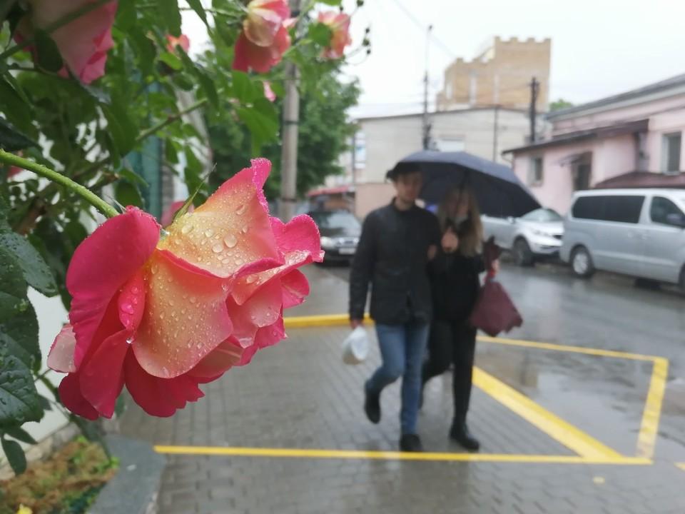 В Симферополь пришел дождливый понедельник.